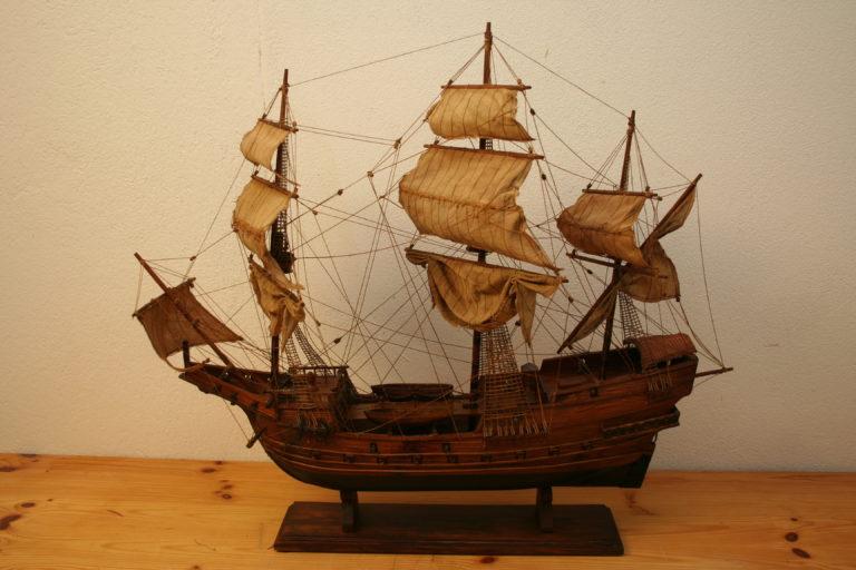 Nach Restaurierung, Schiffsmodell 20. Jahrhundert