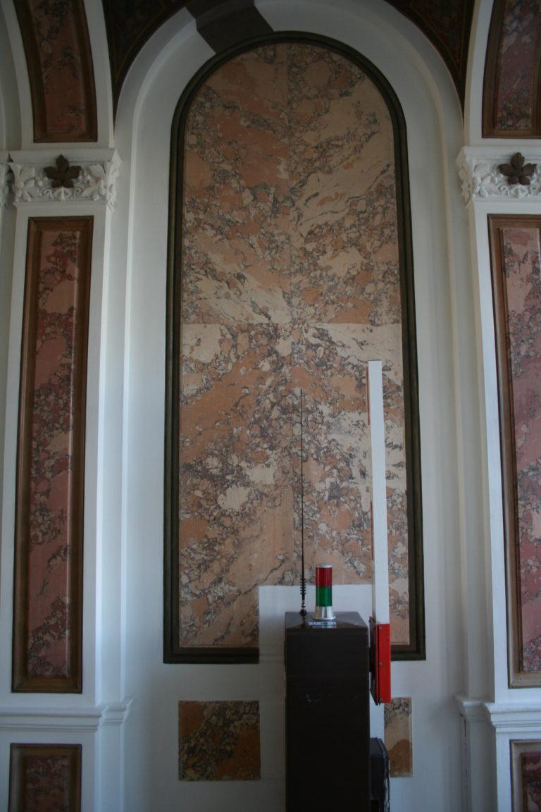 Nach Restaurierung, freigelegter Stucco Lustro