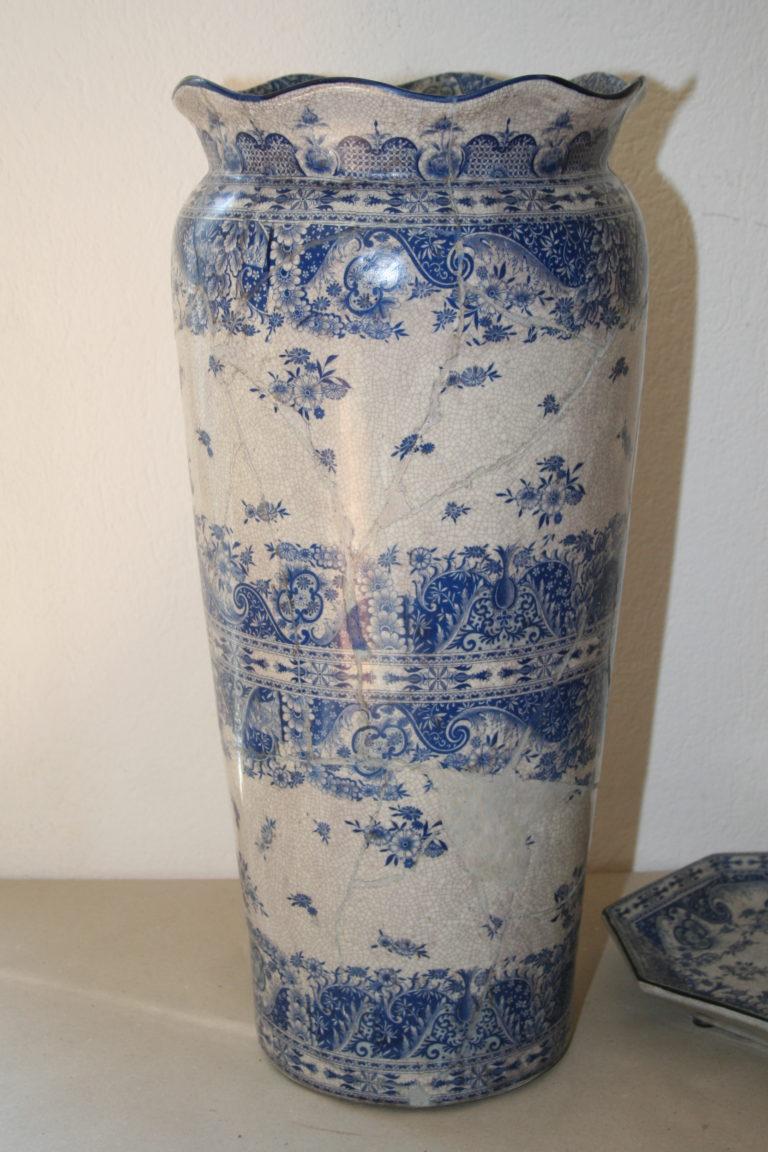 Nach Restaurierung, Keramik aus dem 20. Jahrhundert, Spanien
